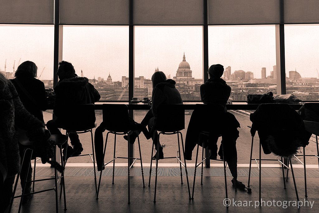 Coffee Break at Tate Modern